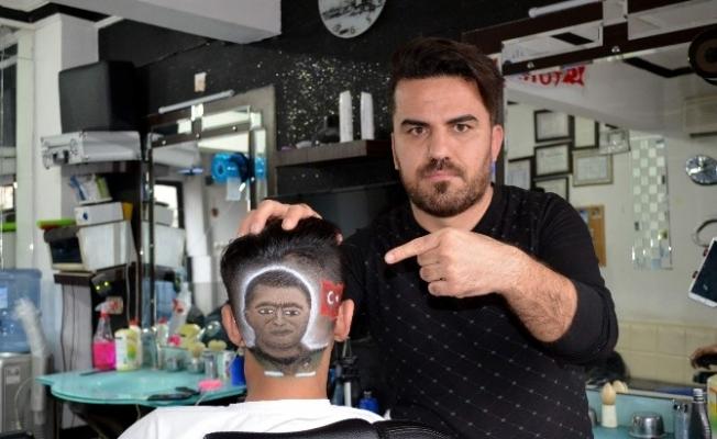 Kahraman Polis Fethi Sekin'in portresini kafasına çizdirdi