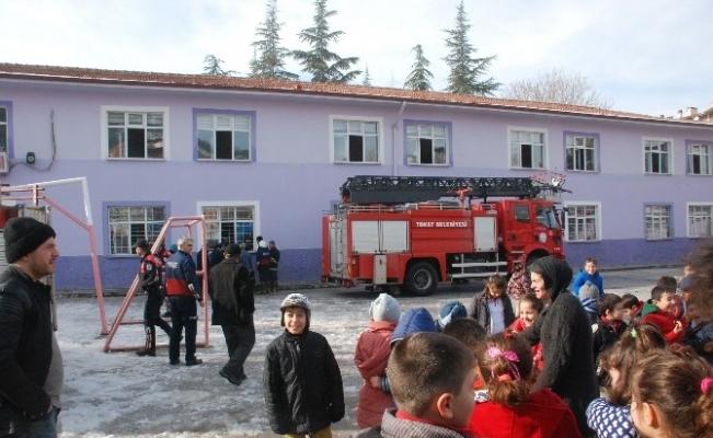 Tokat'ta ilkokulda yangın paniği