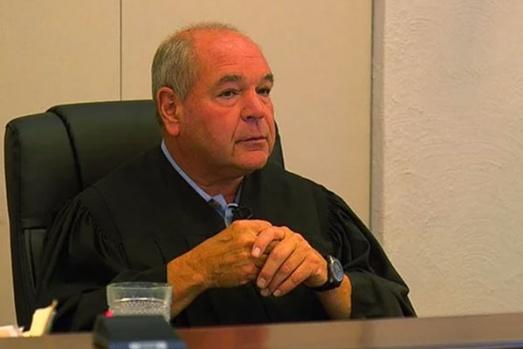 Çılgın yargıcın verdiği 11 absürt ceza