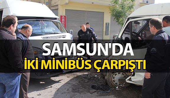 Samsun'da Seyir Halinde İki Minibüs Çarpıştı