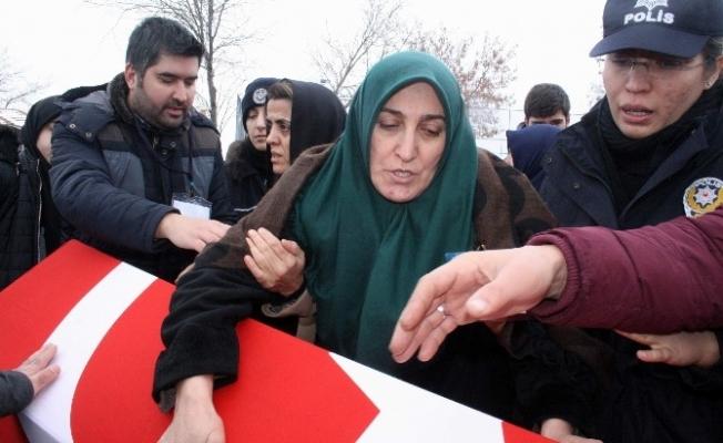 Şehit polis memuru Muammer Nacakoğlu son yolculuğuna uğurlandı