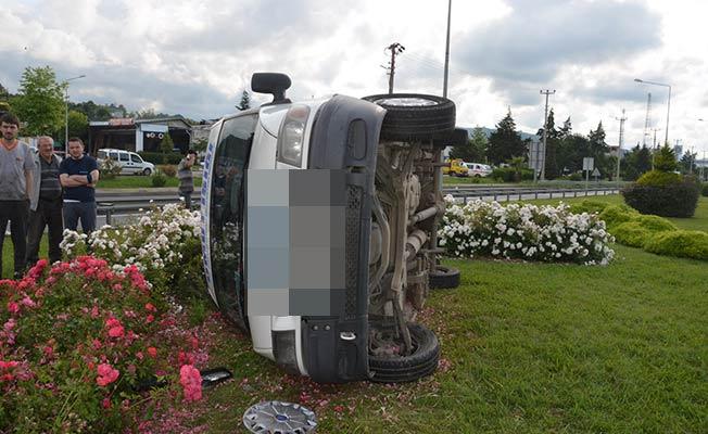 Öğretmenlerin bulunduğu araç kaza yaptı