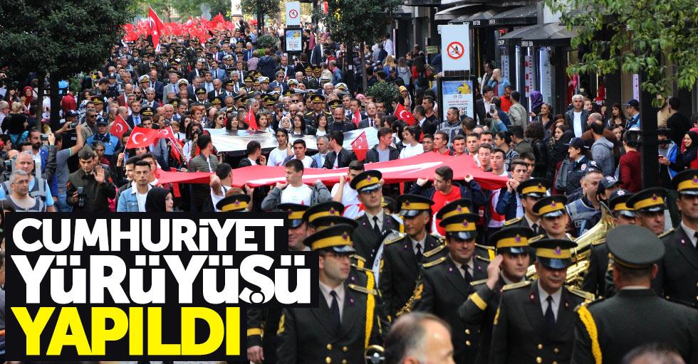 Samsun'da Cumhuriyet Yürüyüşü coşkuyla yapıldı