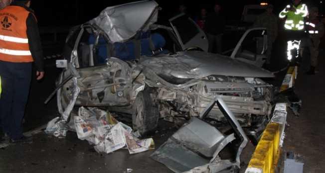 Katliam gibi kaza: 2 ölü, 4 yaralı