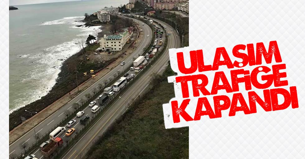 Karadeniz Sahil Yolu'nda ulaşım trafiğe kapandı