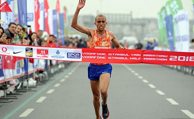 İstanbul Yarı Maratonu'nda derece