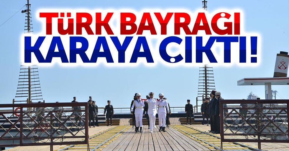 Atatürk'ü temsil eden Türk Bayrağı Samsun'a geldi