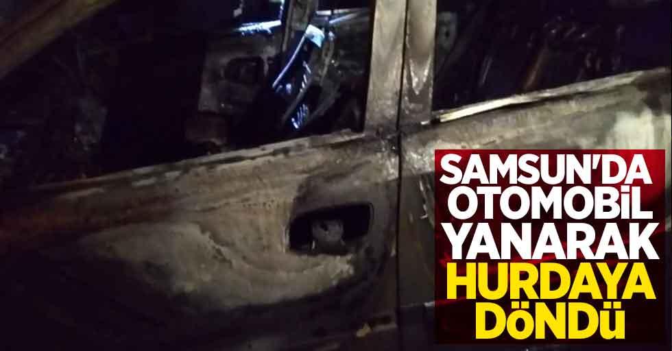 Samsun'da otomobil yanarak hurdaya döndü