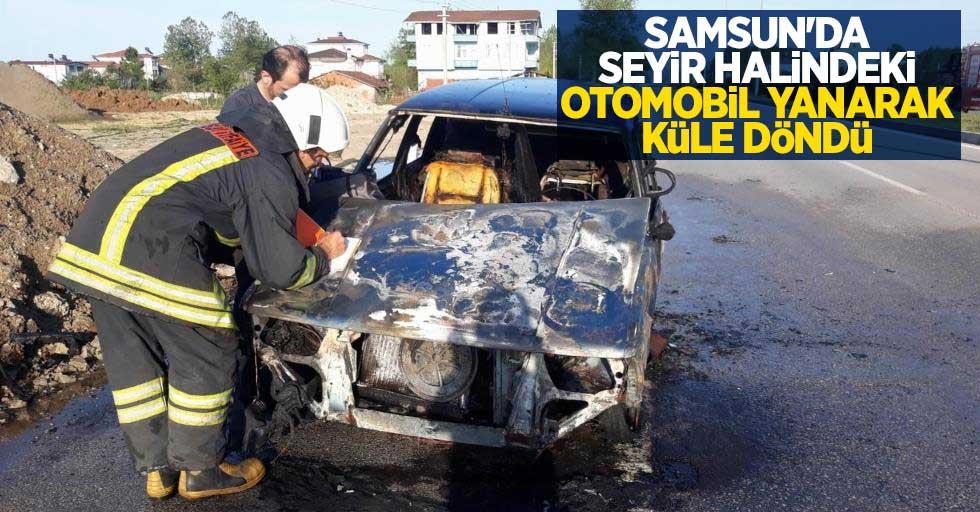 Samsun'da seyir halindeki otomobil yanarak küle döndü