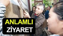 Türk Gazeteciden Anlamlı Ziyaret