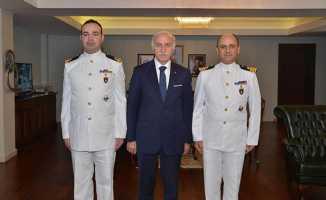 TCG Yıldıray Denizaltı Komutanı Samsun Valisini ziyaret etti