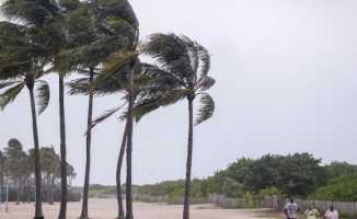 Kasırga da 10 kişi daha hayatını kaybetti