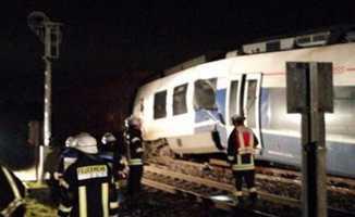 Almanya'da tren kazası 50 yaralı