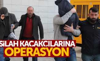 Samsun'da silah kaçaklığı zanlıları adliyede