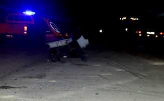 Otomobille kamyonet çarpıştı: 2 ölü, 8 yaralı