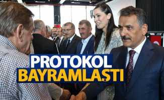 Samsun'da protokol bayramlaştı