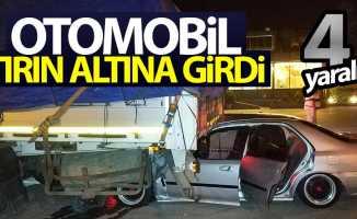 Tekkeköy'de otomobil tırın altına girdi