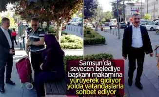 Samsun'da sevecen başkan halkla iç içe