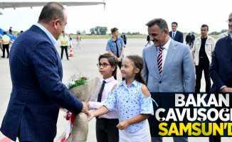 Bakan Çavuşoğlu Samsun'da! Minikler çiçeklerle karşıladı