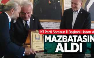 İYİ Parti Samsun İl Başkanı Hasan Aksoy mazbatasını aldı
