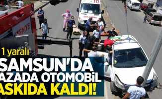 Samsun'da kazada otomobil askıda kaldı! Can pazarı yaşandı