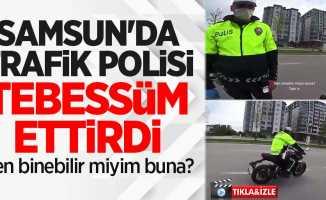 Samsun'da trafik polisi tebessüm ettirdi: Ben binebilir miyim buna?