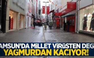 Samsun'da vatandaşlar virüsten değil yağmurdan kaçıyor