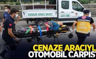 Cenaze aracıyla otomobil çarpıştı; 1 yaralı