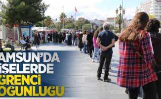 Samsun'da gişelerde öğrenci yoğunluğu