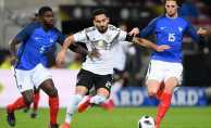 Fransa Hollanda maçı hangi kanalda saat kaçta?